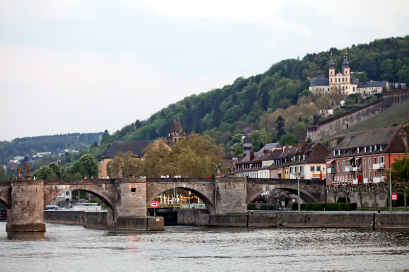 Wuerzburg, Main bridge and Kaeppele, © by Bernhard Häusler, Germany